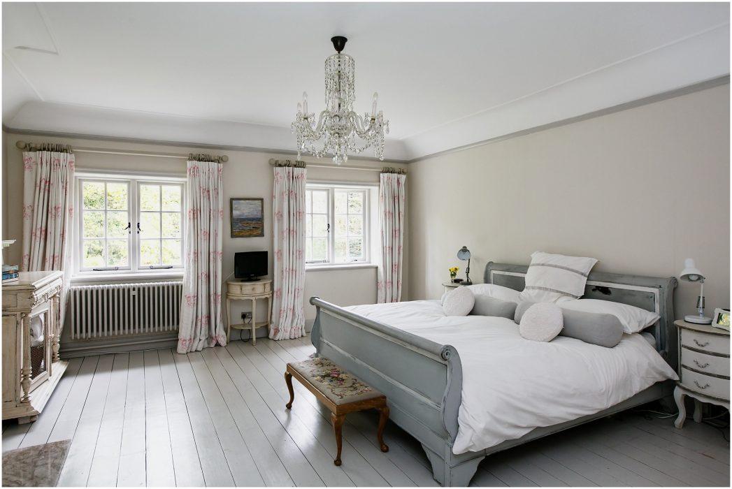 Surrey Interior Photographer - bedroom