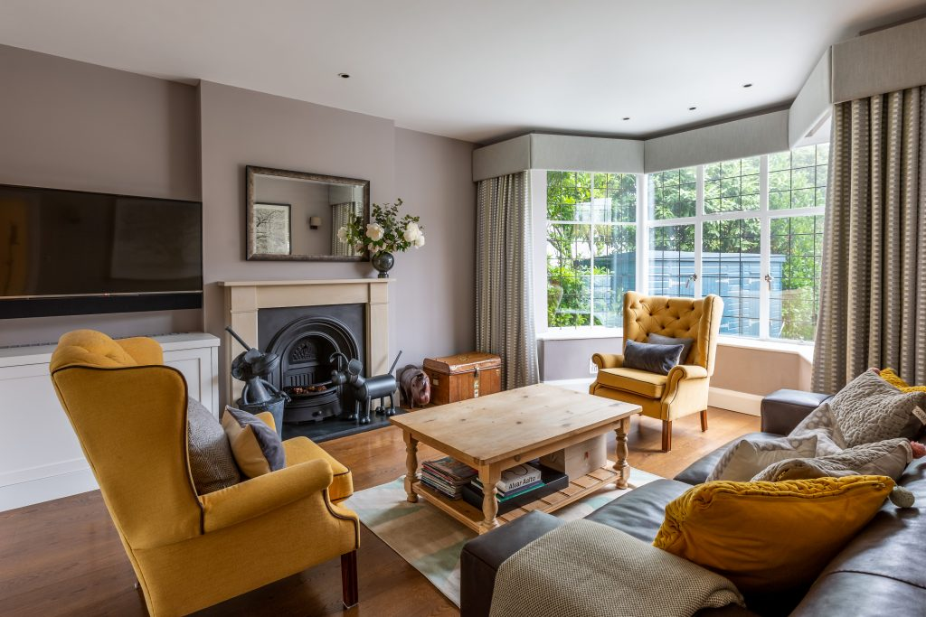 interior photographer - front lounge